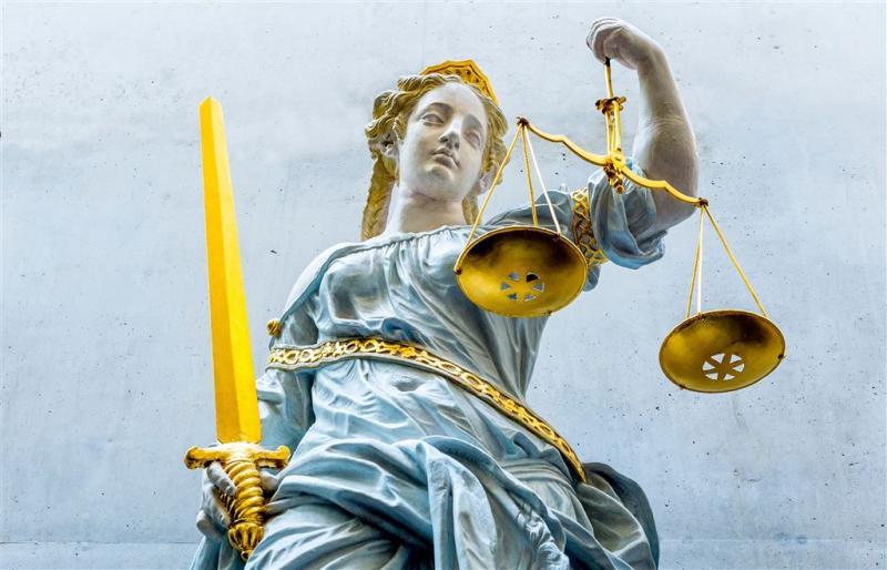Justitie eist 14 jaar cel voor doden zoontje