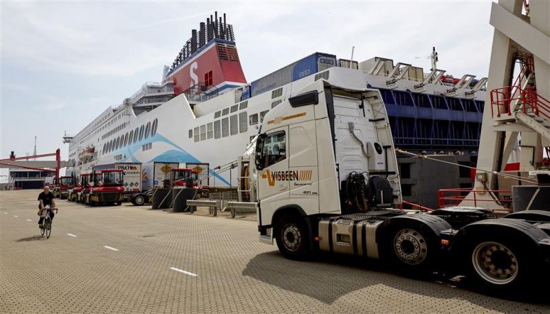 Sector luidt noodklok om Calais