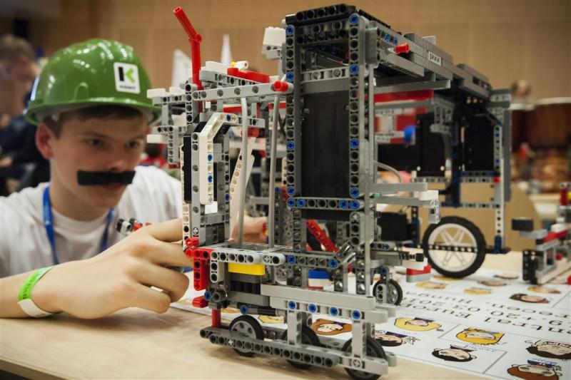 Investeringen drukken winst bij Lego