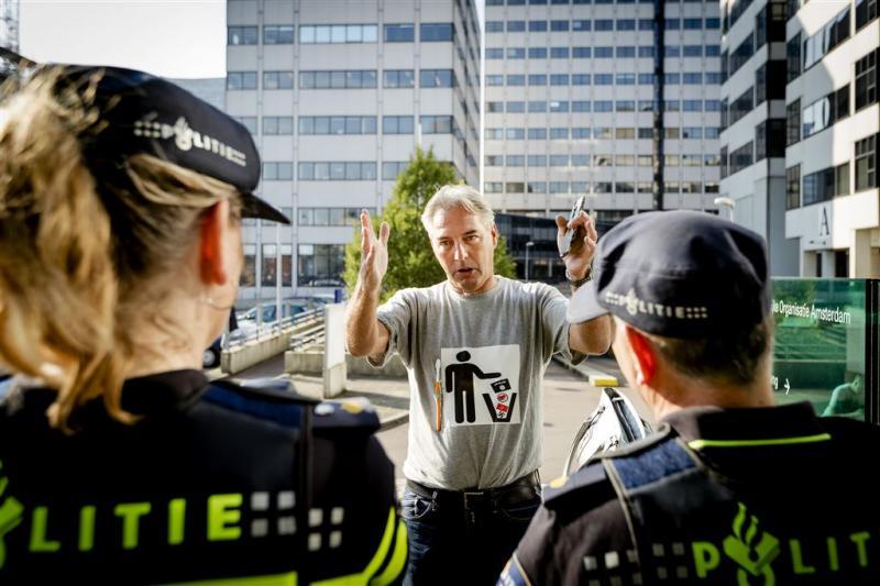 Pegida-voorman aangehouden voor hakenkruis