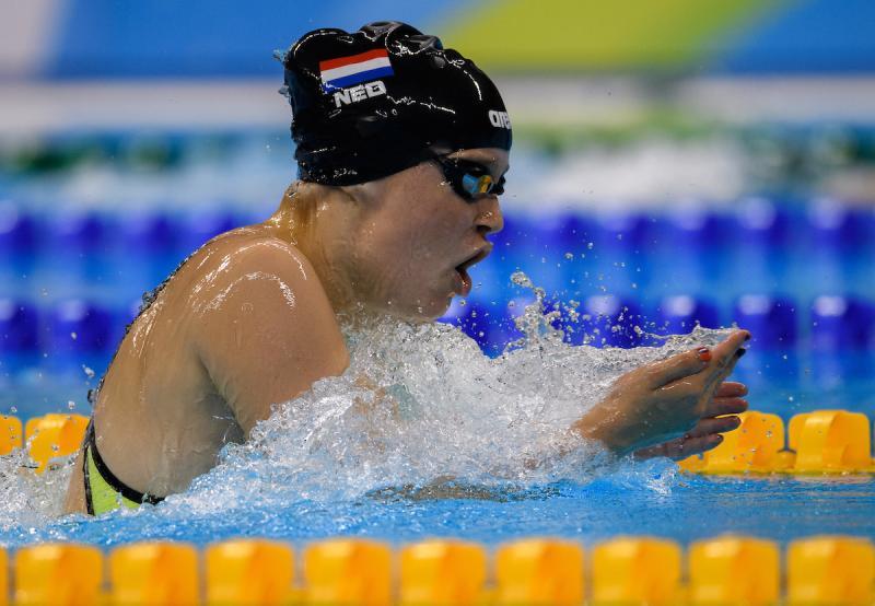 Lisa Kruger in actie op de 100 meter schoolslag (Foto: oispho)