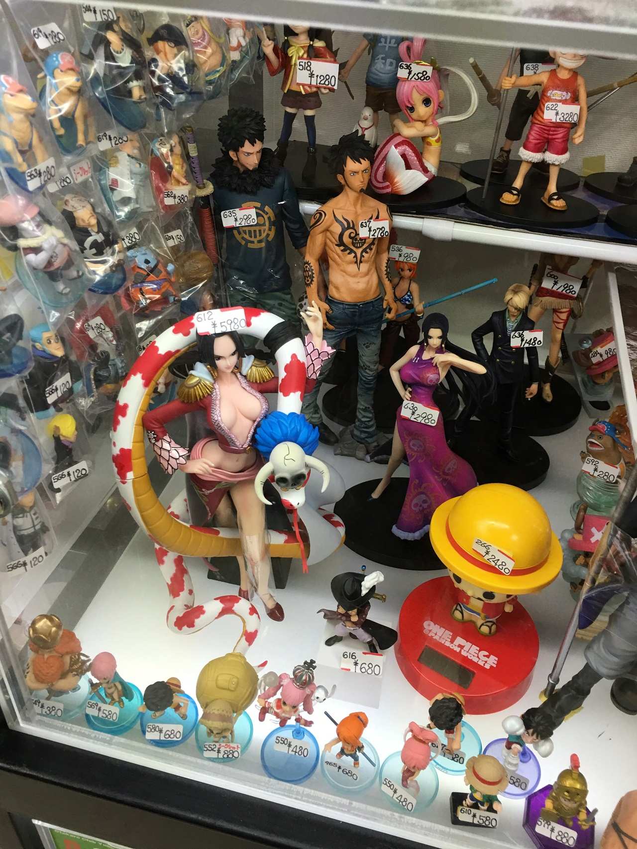 160912_28827_tgs_2016_figurines_one_piece.JPG