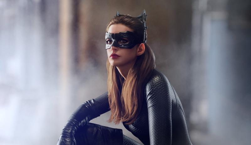 Anne Hathaway als Selina Kyle/Catwoman