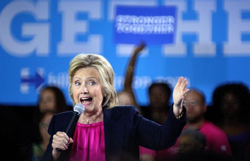 Clinton donderdag weer op verkiezingspad