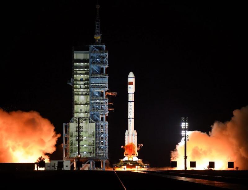 China lanceert raket met ruimtelaboratorium
