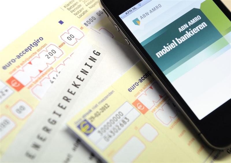 'Ouderen raken financieel overzicht kwijt'