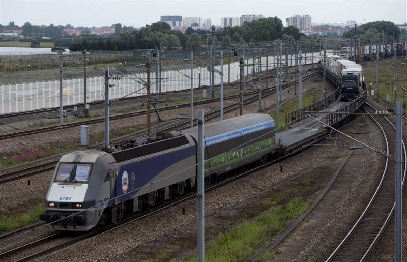 Sudanese migrant in Calais door trein gedood