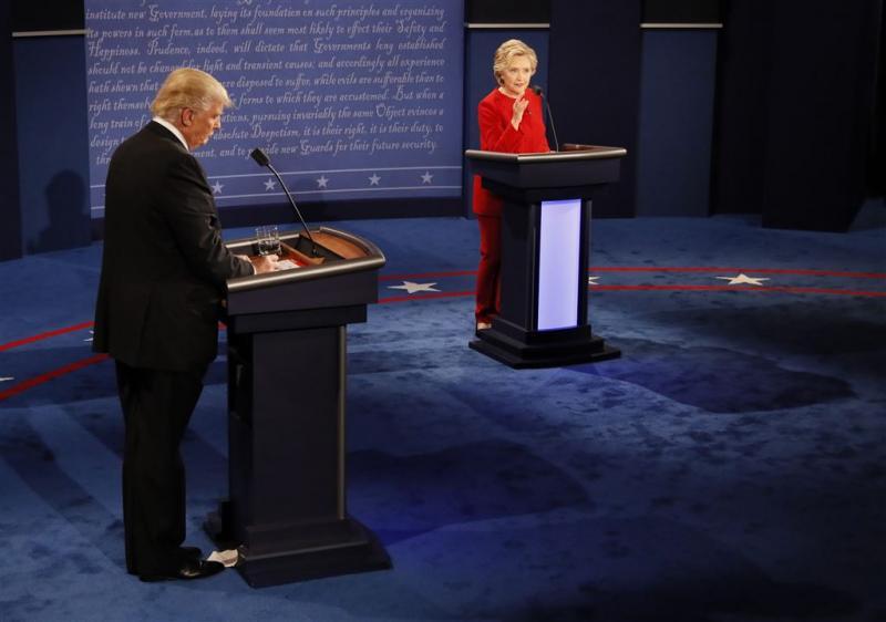 Rumoerig eerste debat tussen Clinton en Trump