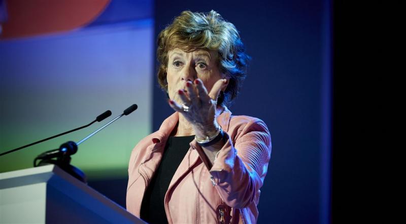 Brussel zwijgt over uitleg Neelie Kroes