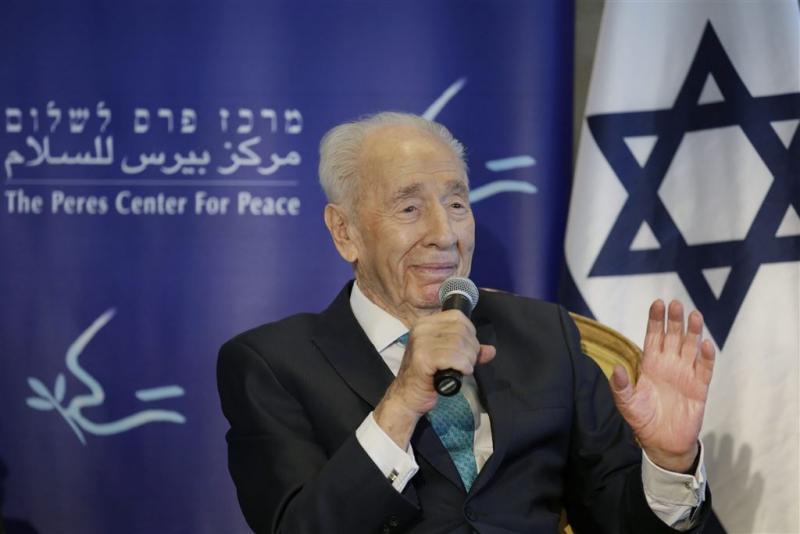 Premier Rutte naar begrafenis Peres