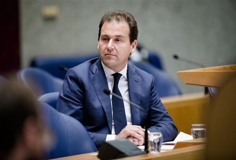 Aangifte ambtsmisdrijf tegen minister Asscher