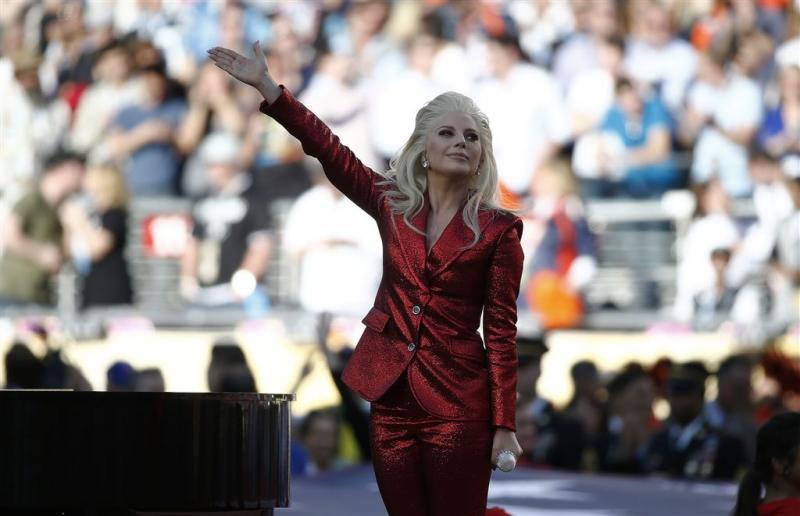 Lady Gaga treedt op tijdens Super Bowl