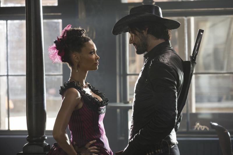 Westworld: Thandie Newton en Rodrigo Santoro (Foto: HBO)