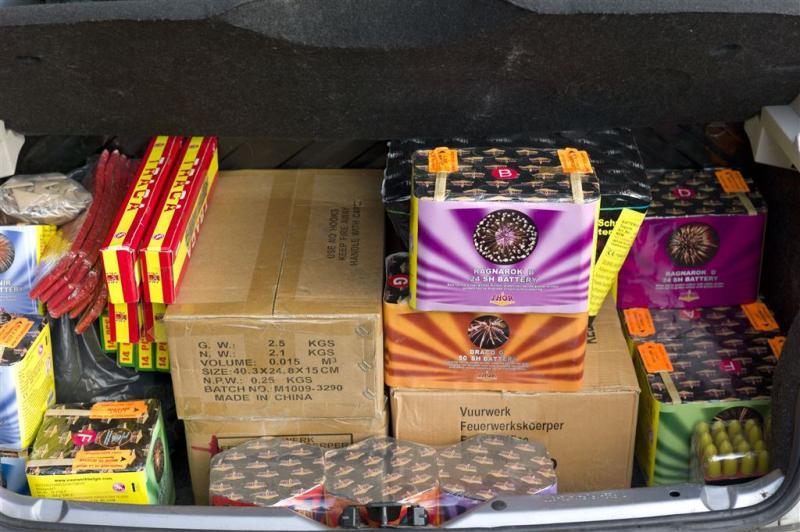Politie vindt ruim 100 kilo vuurwerk in huis