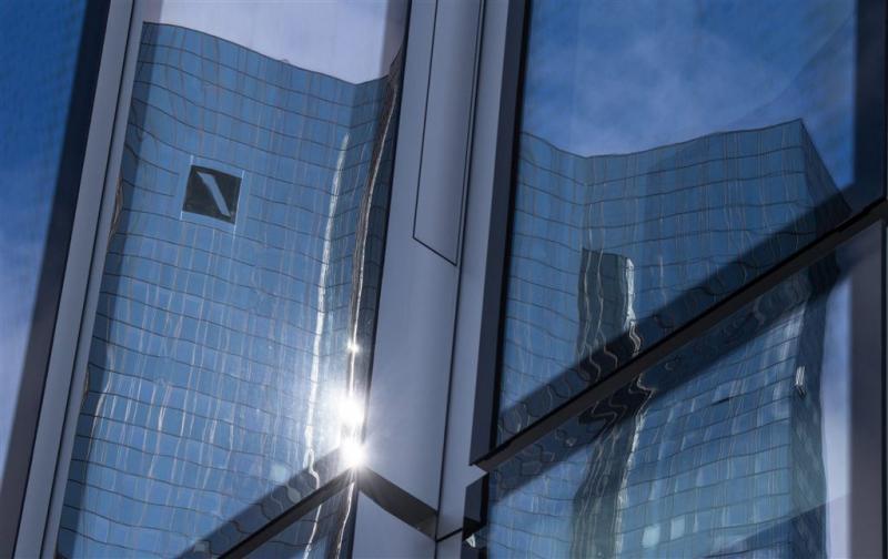 'Bedrijven praten over redding Deutsche Bank'
