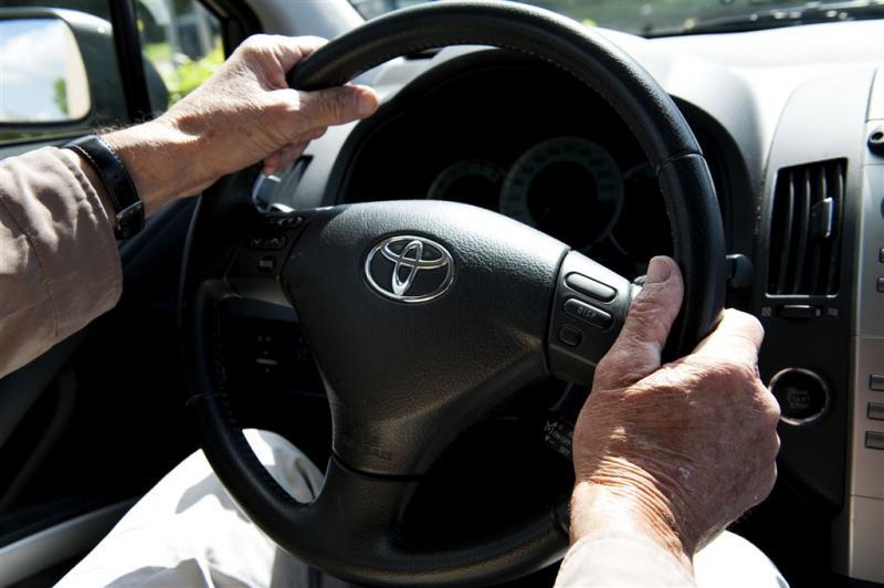 Steeds meer bejaarden op de weg