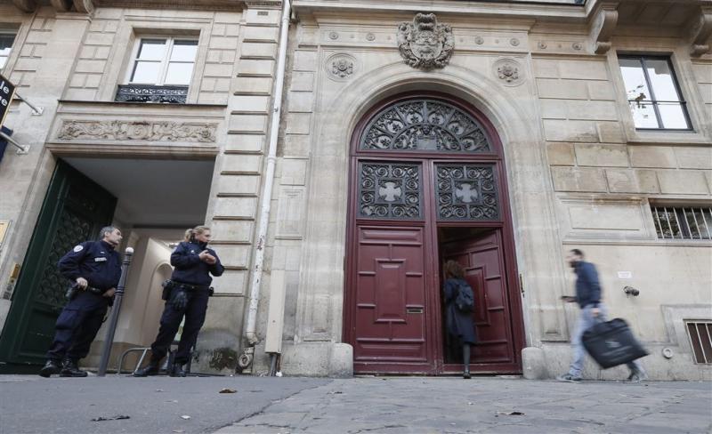 Parijse politie opent jacht op limousine