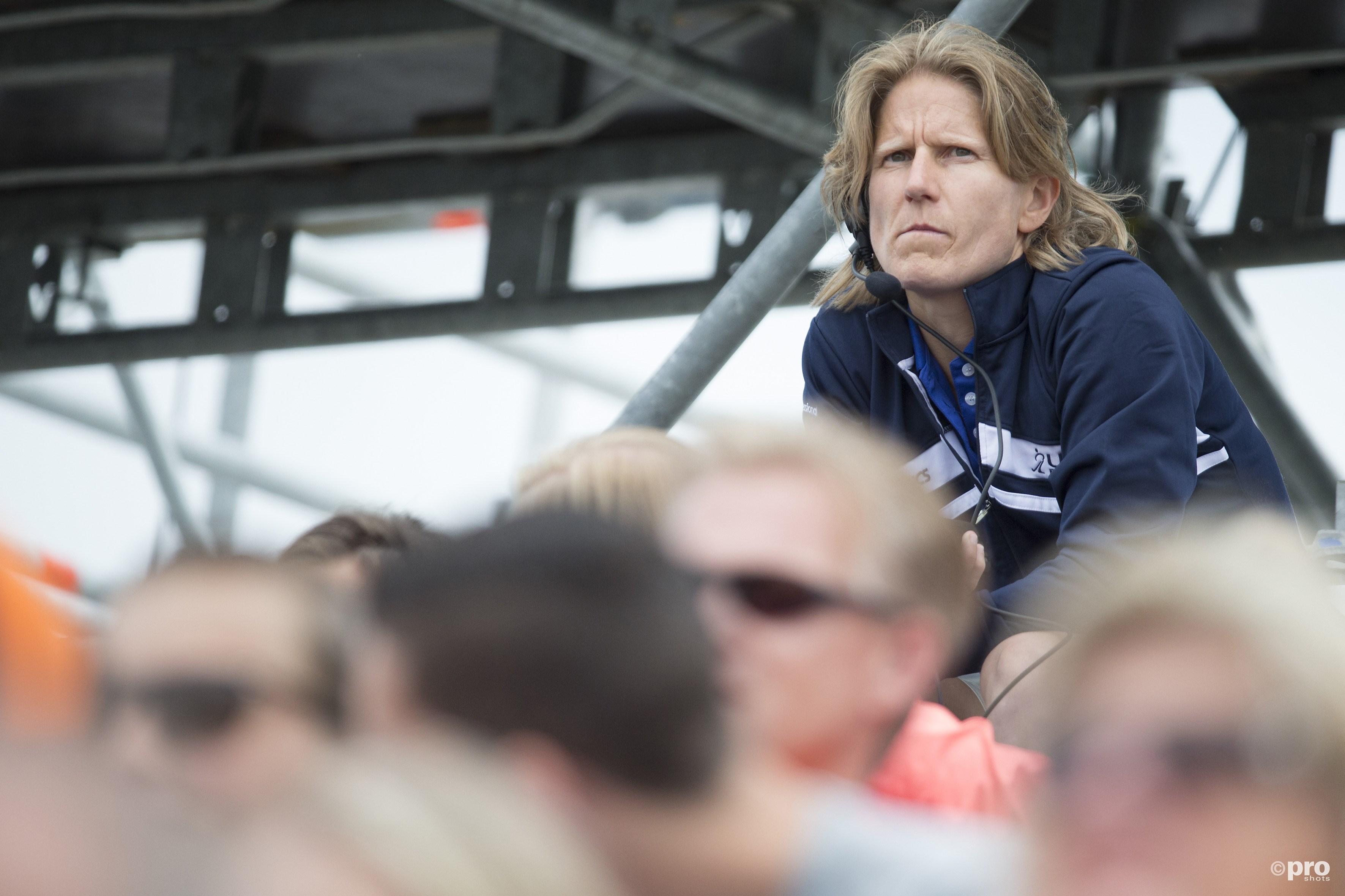Janneke Schopman hier tijdens het WK in Den Haag hoog in het stadion. (PRO SHOTS/Willem Vernes)