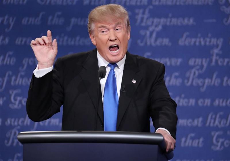 Trump peinst niet over terugtreden
