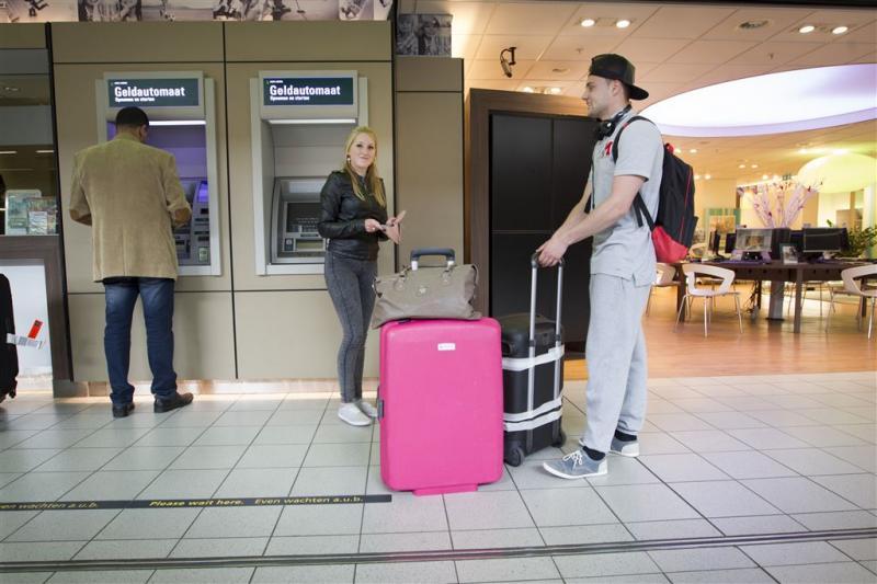Vliegtuig met vakantiegangers op weg naar Kos