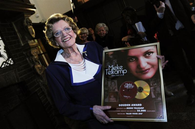 Zangeres Mieke Telkamp (82) overleden
