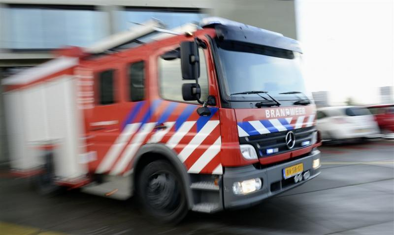 Grote brand in woonwagenkamp Vlaardingen