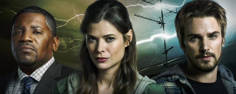 Frequency: Mekhi Phifer, Peyton List en Riley Smith
