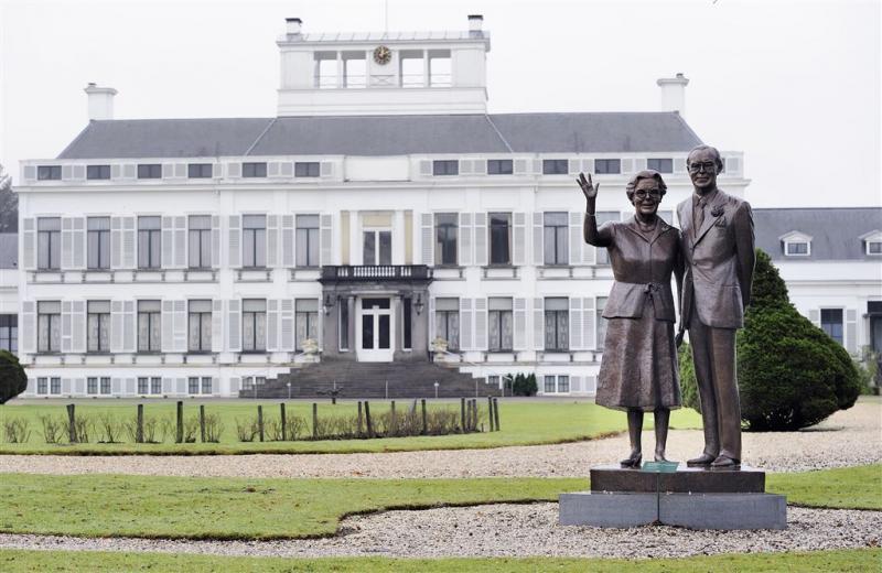 'Bernhard was Juliana ook in eigen huis niet trouw'