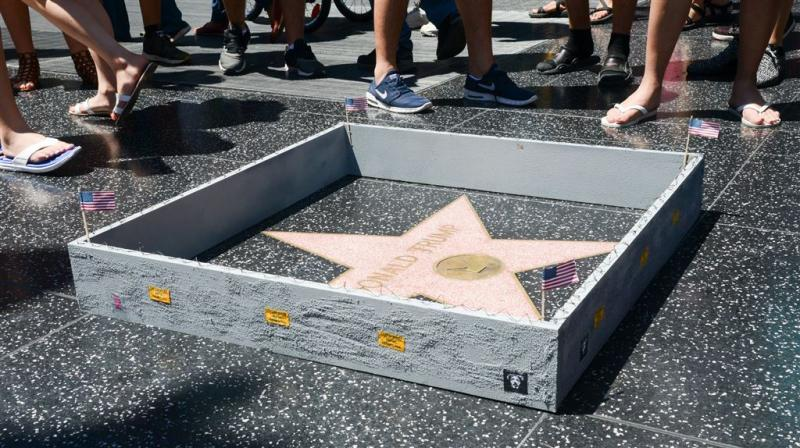 Ster Donald Trump op Walk of Fame vernield