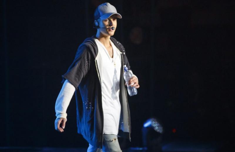 Duizenden willen naar housewarming Bieber
