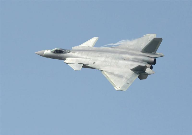 China presenteert onzichtbare straaljager