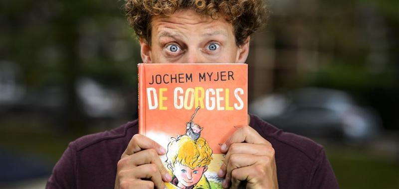 Jochem Myjer staat jaar lang in boekenlijst