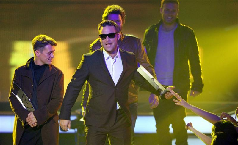 Robbie Williams weer met Take That op podium