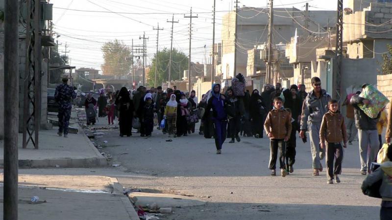 Islamitische Staat voert duizenden weg