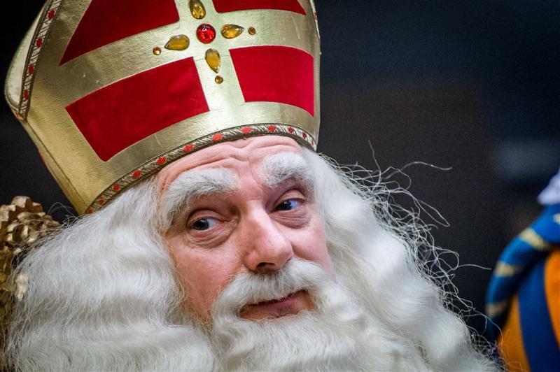 Sinterklaas komt aan in het land