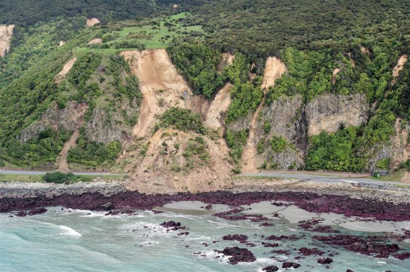 Nederlandse toeristen vast na aardbeving