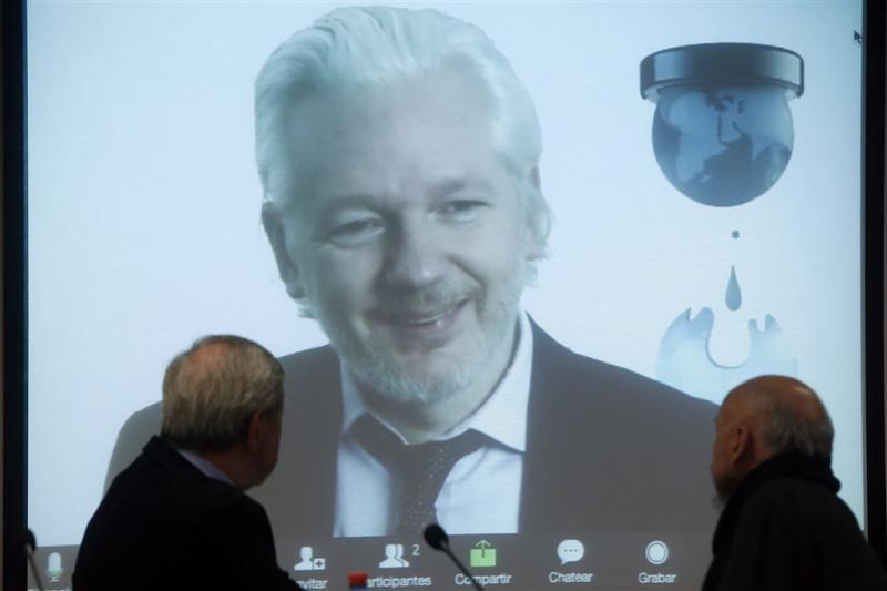 Assange verhoord op ambassade Ecuador