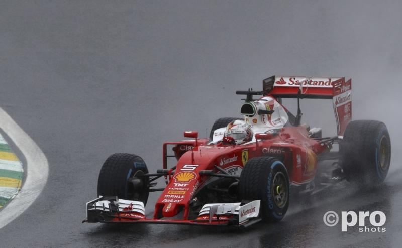 Vettel niet blij met Verstappen (PROSHOTS/Action Images)