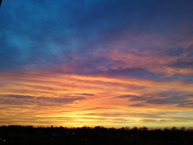 Betoverende zonsondergang in Alkmaar (Foto: Papabear)
