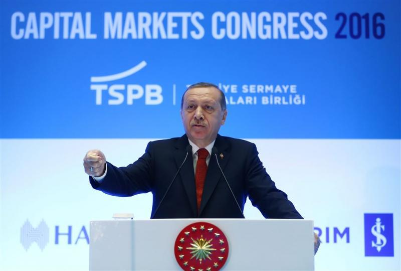 Turkije ontslaat nog eens 15.000 ambtenaren