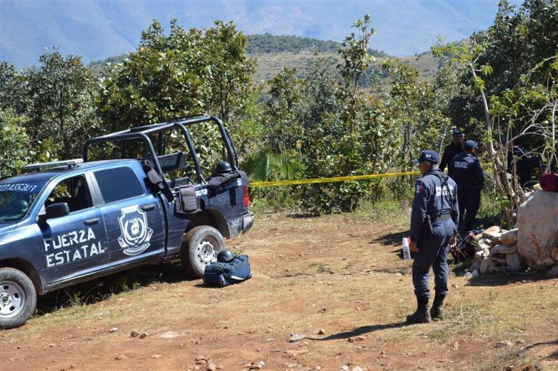 Tientallen lijken in massagraven Mexico