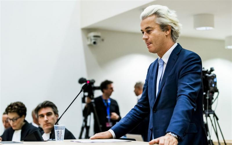 PVV neemt afstand in peiling