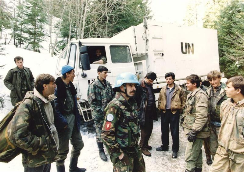 'Meer foto's Srebrenica in archief MIVD'