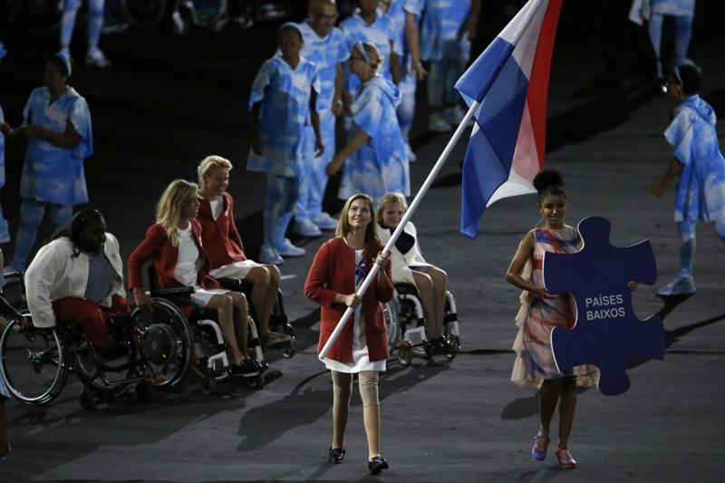 Rutte ontvangt paralympische medaillewinnaars