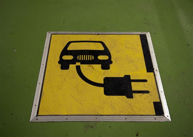 Automerken starten samen oplaadnetwerk