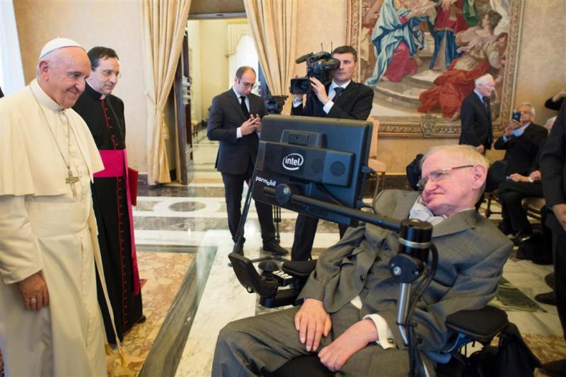 Franciscus ontmoet Hawking