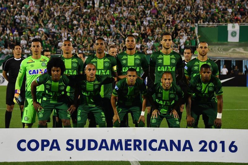 Leden van de Braziliaanse voetbalclub Chapecoense zouden aan boord zijn