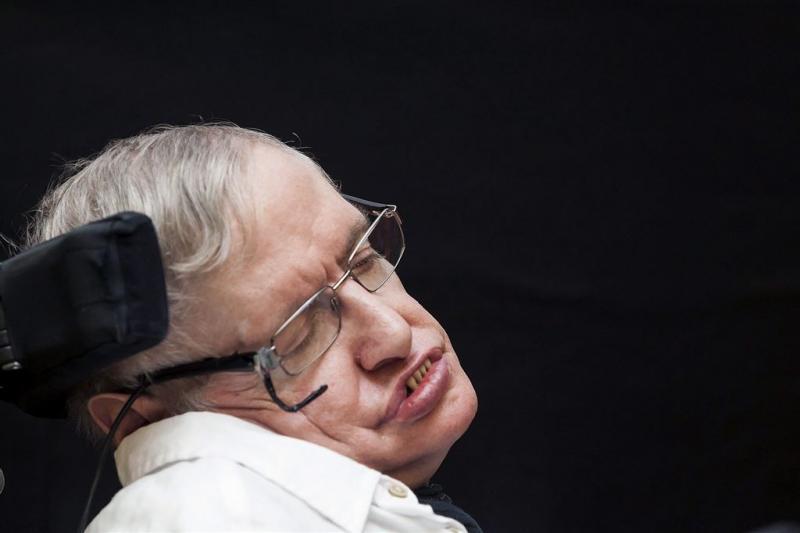 Stephen Hawking weer ontslagen uit ziekenhuis