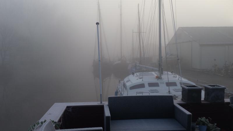 Dichte mist bij het Oude Winschoterdiep (Groningen) (Foto: G3RT)