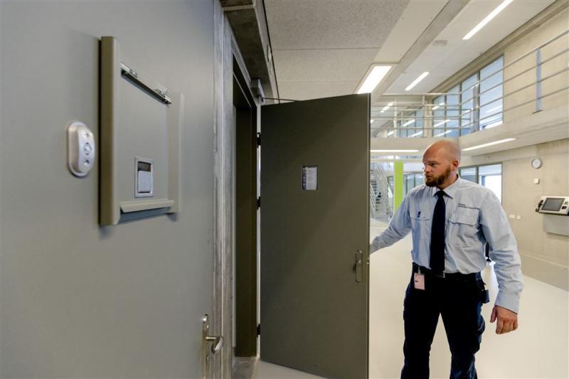 Opnieuw minder mensen in Nederland in de cel